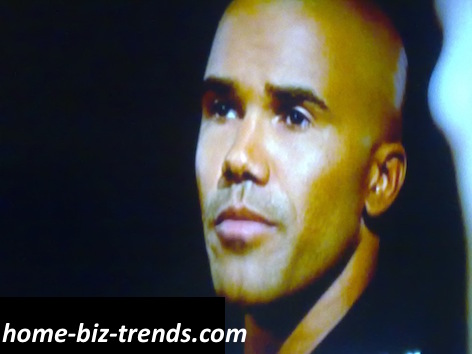 home-biz-trends.com - Shemar Franklin Moore (Derek Morgan) in the TV Series Criminal Minds, Has Some Bright Letters and Polite Touches with Kristen Vangsness (Penelope Garcia).