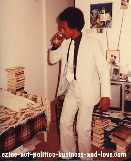 Ezine Acts African Literature: Journalist, writer, poet and critic Khalid Osman's books collection including African literature, Kuwait, 1980.