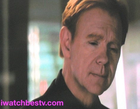 Ezine Acts Optimization: Movie Photos Optimization: David Caruso, as Lieutenant Horatio Caine in the TV Series, CSI Miami.