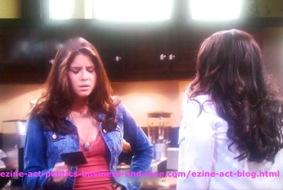 Loren Tate (Brittany Underwood) and Melissa Sanders (Ashley Holliday) in Friendship Love Moment in Hollywood Heights.