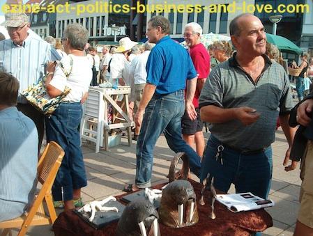 Garage Sale: Organizing Flea Markets to Sell Arts.