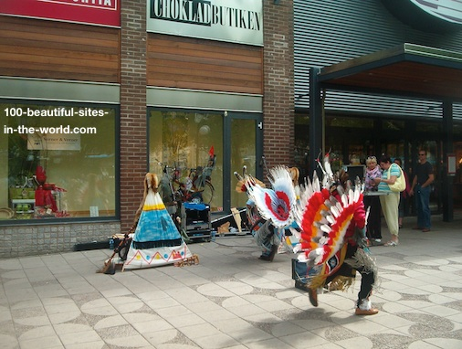 Orebro Walks in August stepping in the harmony of Native Americans folkloric music.