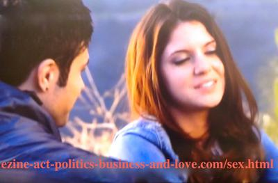 The decent stars Eddie Duran (Cody Longo) and Loren Tate (Brittany Underwood) when he started helping her as a new star to be an icon like him in Hollywood Heights.