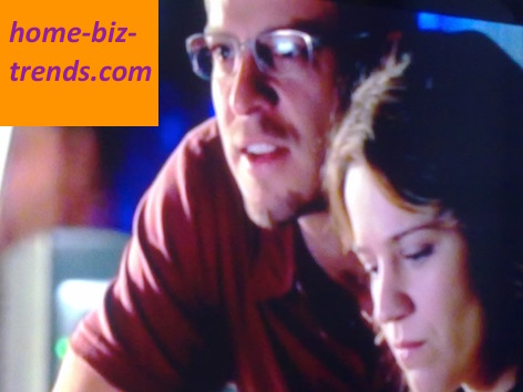 home-biz-trends.com - Bright Letters and Polite Touches: between Anna Belknap (as Lindsaay Monroe Messer) and Carmine Giovinazzo (as Danny Messer) CSI NY.