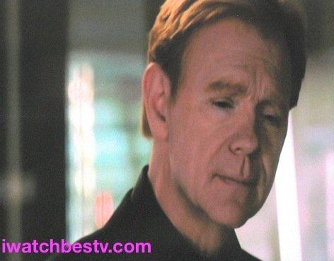Ezine Acts Optimization: Movie Photos Optimization: David Caruso, as Lieutenant Horatio Caine in the TV Series, CSI Miami.