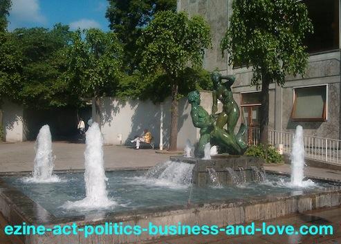 Ezine Acts Video Converter: Danish Sculpture, Aarhus Streets Arts, Denmark.